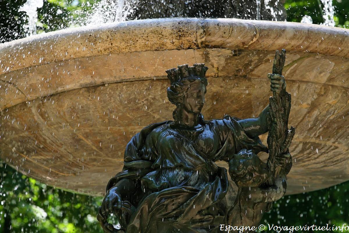 Estatua de la reina jard n de la isla aranjuez espa a - Estatuas de jardin ...