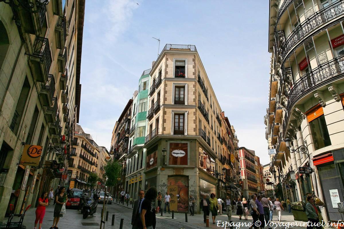 Resultado de imagen de calle mayor madrid