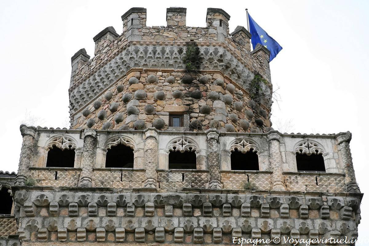 Manzanares el real guarda del castillo espa a - Polideportivo manzanares el real ...