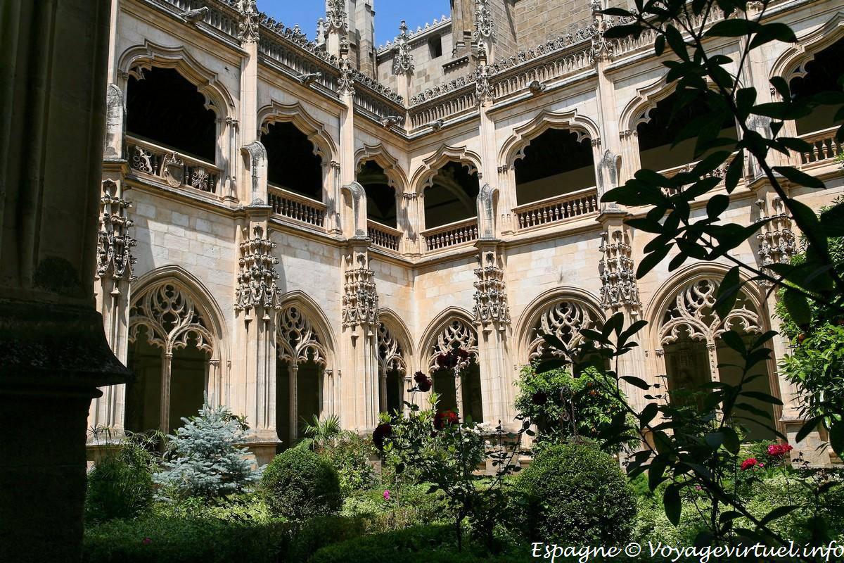 Toledo, el claustro del Monasterio de San Juan de los ...