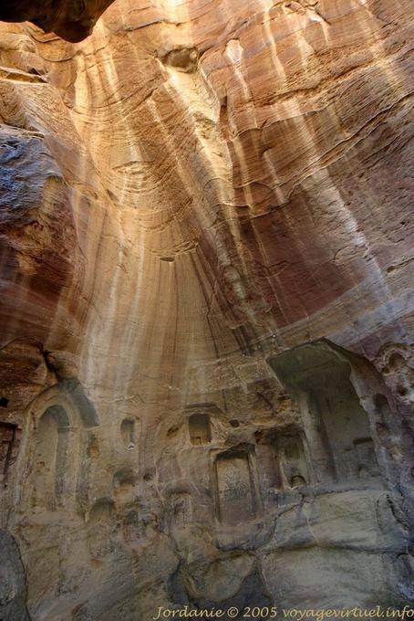 petra-wadi-el-metaha_220