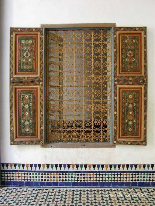 Persianas pintadas y herrer a de arte bahia palace marrakech marruecos - Persianas palacio ...